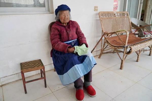 Cụ bà 107 tuổi, chỉ phải đi viện 2 lần trong đời tiết lộ bí quyết sống khỏe nhờ ăn loại quả này mỗi ngày-1