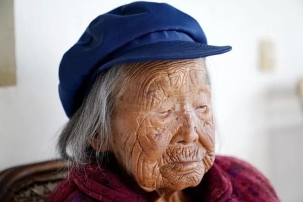 Cụ bà 107 tuổi, chỉ phải đi viện 2 lần trong đời tiết lộ bí quyết sống khỏe nhờ ăn loại quả này mỗi ngày-5