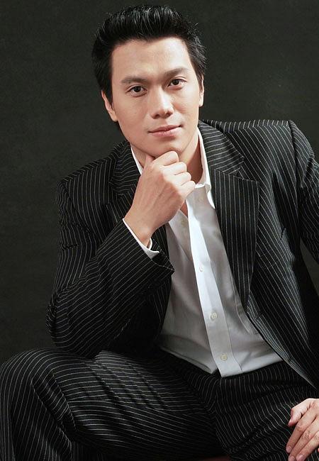 Hành trình biến đổi nhan sắc của Việt Anh: 10 năm phong trần đầy cuốn hút bỗng chốc lột xác khác lạ, chàng trai năm ấy nay còn đâu?-1
