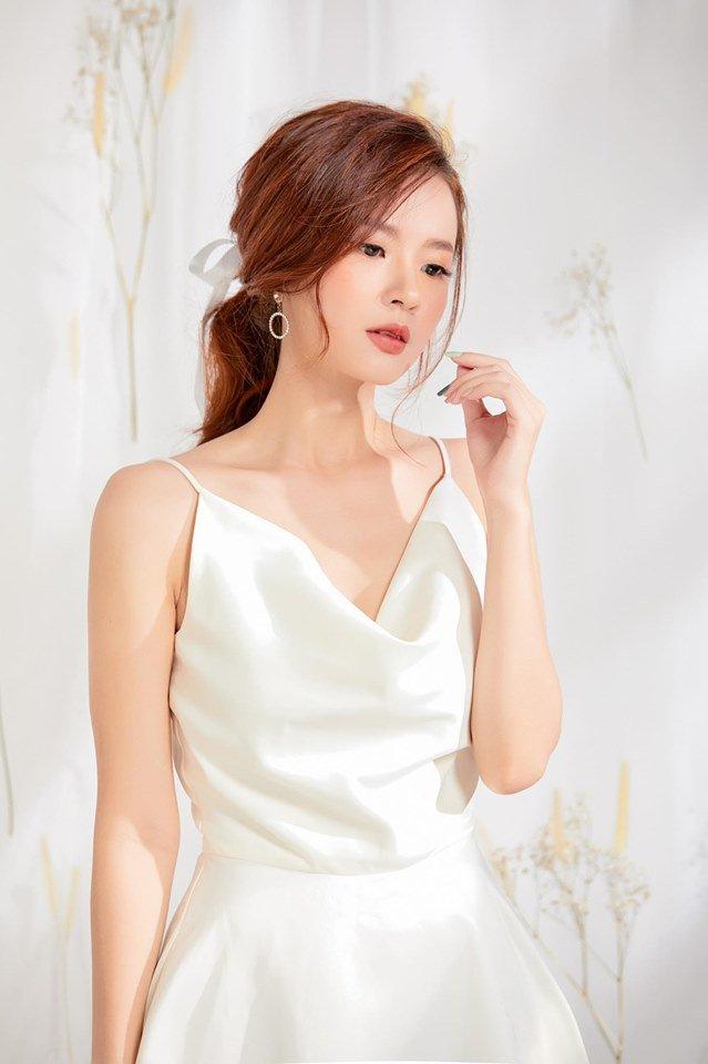 Không cần ngồn ngộn hở hang, mỹ nhân ngực lép của showbiz Việt vẫn quyến rũ với phong cách riêng-3