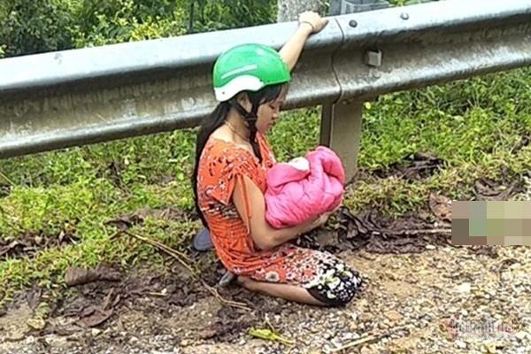 Chồng trẻ ở Nghệ An đỡ đẻ cho vợ ngay bên đường-2