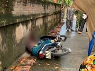 Đang đi xe máy, cụ ông gần 70 tuổi bất ngờ bị nam thanh niên cầm gậy lao vào đánh tử vong