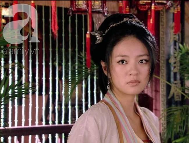 Kỹ nữ đẹp nức tiếng thời Tống, đàn ông đều quỳ gối dưới chân, Hoàng đế yêu điên dại phải đào đường hầm từ cung điện đến lầu xanh để gặp-4