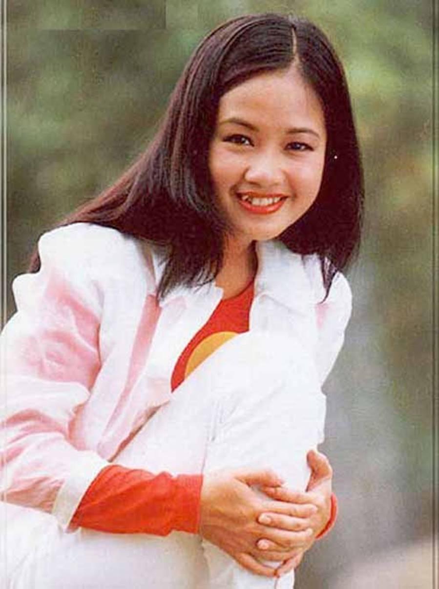 Những hình ảnh thanh xuân răng khểnh của diva Hồng Nhung-9