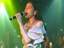 Hương Ly hát live bị chê yếu và chênh phô