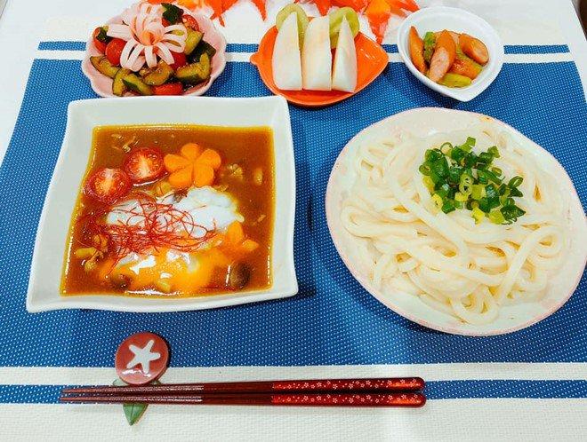 8X nấu ăn tuyệt ngon cho chồng Nhật, hội chị em vào đùa thế này ai còn dám ăn phở-3