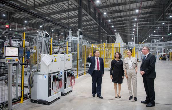 Ngô Thanh Vân trở thành đại sứ thương hiệu VinFast-7