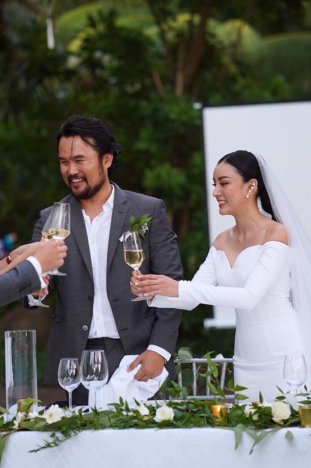 Dàn siêu xe trăm tỷ và hôn nhân đáng ngưỡng mộ của hot girl Việt ở Thái-2