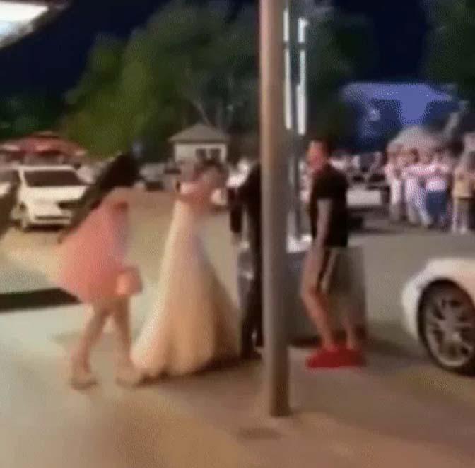 Mặc váy cưới đến cầu hôn, cô gái bị cự tuyệt không thương tiếc, chồng cũ đến can thiệp mới biết danh tính của nam chính-6