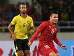 Xem lại siêu phẩm Quang Hải volley tung lưới Malaysia-1