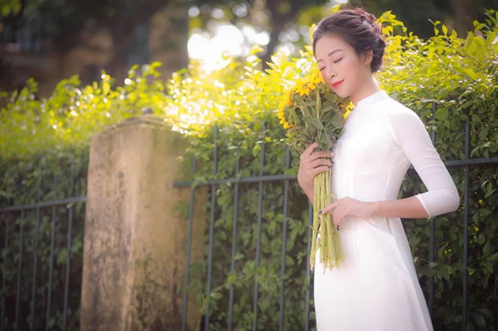 Phan Văn Đức có bóng hồng mới xinh đẹp, gợi cảm thế này đây!-10