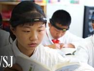 Tưởng vòng 'kim cô' chỉ xuất hiện trong phim, hóa ra học sinh Trung Quốc thời nay cũng phải đeo thiết bị giống hệt vậy
