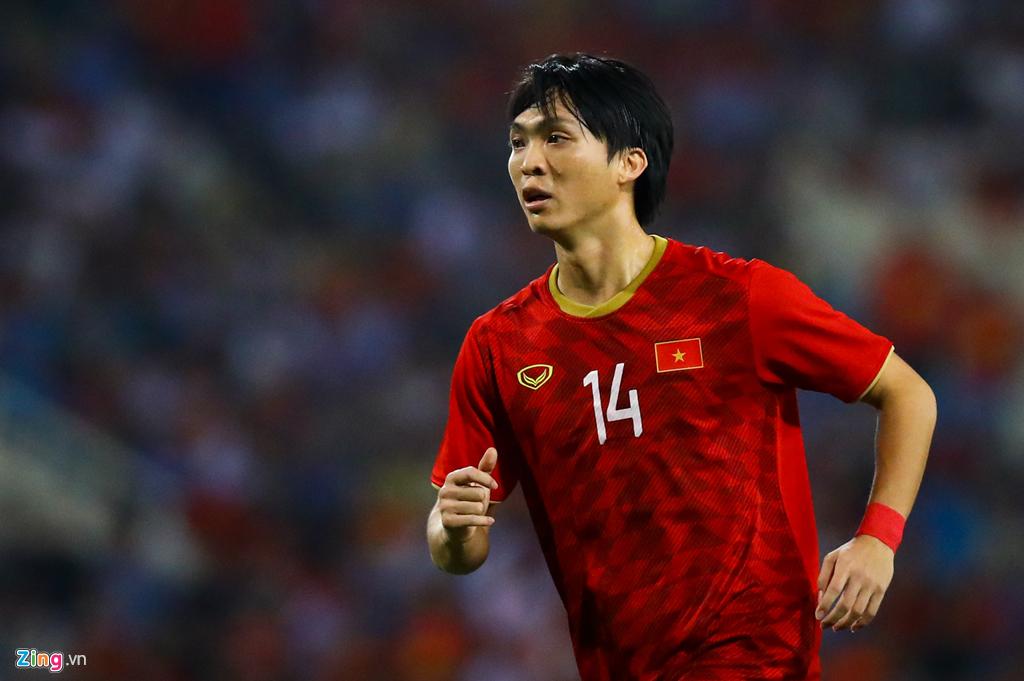 Tuấn Anh nén đau khi cả đội mừng Quang Hải ghi bàn-10