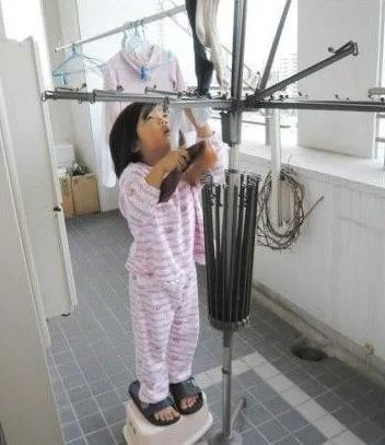 Bé gái từng gây xúc động khi 5 tuổi biết nấu ăn, làm việc nhà trước khi mẹ qua đời vì ung thư bây giờ ra sao?-10