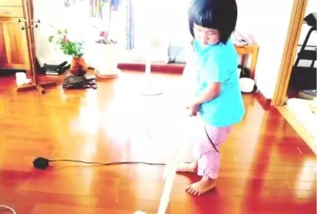 Bé gái từng gây xúc động khi 5 tuổi biết nấu ăn, làm việc nhà trước khi mẹ qua đời vì ung thư bây giờ ra sao?-7
