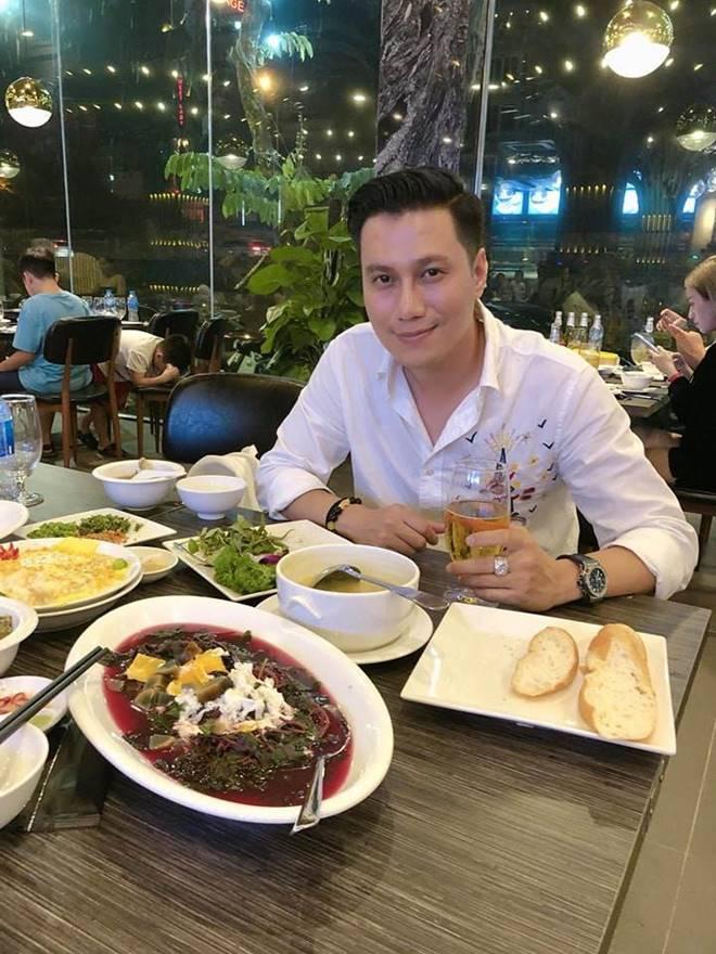 Diện mạo chưa hoàn hảo, nhưng gout thời trang của Việt Anh đáng để chị em tham khảo cho chồng-6