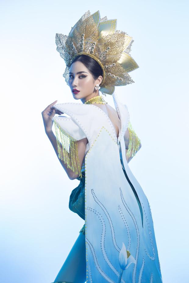 Ấn tượng với quốc phục mang cả hồ sen, đính kết 5000 viên pha lê mỹ nhân Việt chọn mang đến Hoa hậu Trái đất-2
