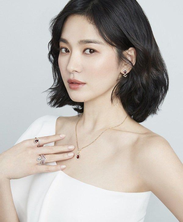 Sau 3 tháng lang bạt bên ngoài hậu ly hôn, Song Hye Kyo cuối cùng cũng chịu về nhà-2