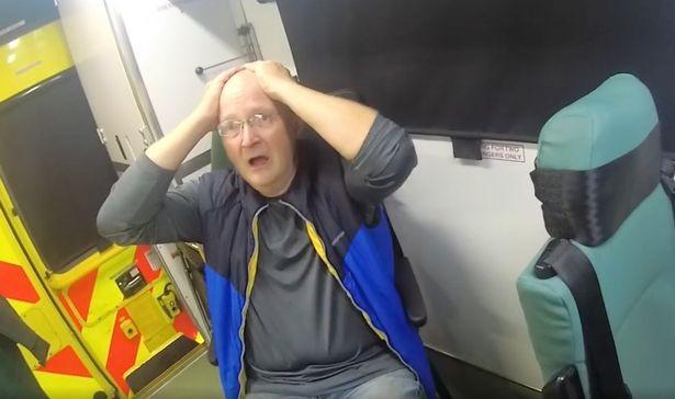 Bị chê đến mức tự ái, người đàn ông cầm xà beng đập vào đầu vợ liên tục 30 nhát rồi giả vờ mèo khóc chuột gây phẫn nộ-1