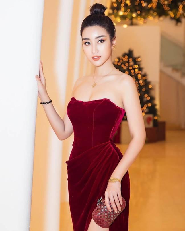 Phi Thanh Vân, Đỗ Mỹ Linh chăm mặc đầm trễ nải gây lo lắng như sắp tụt-18