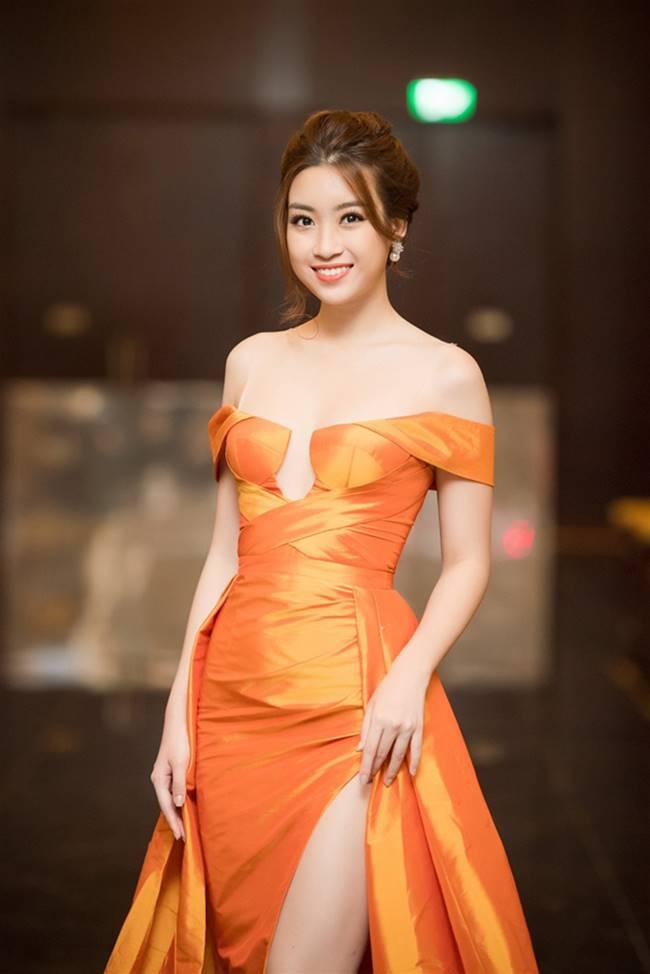 Phi Thanh Vân, Đỗ Mỹ Linh chăm mặc đầm trễ nải gây lo lắng như sắp tụt-19