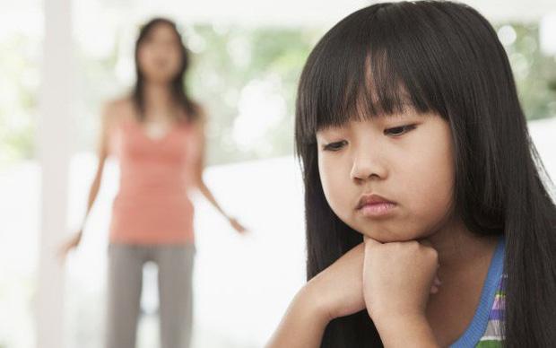 Nói rát cổ mà con vẫn giả vờ điếc, đừng vội đánh mắng vì nguyên nhân sâu xa có thể từ chính bố mẹ-1