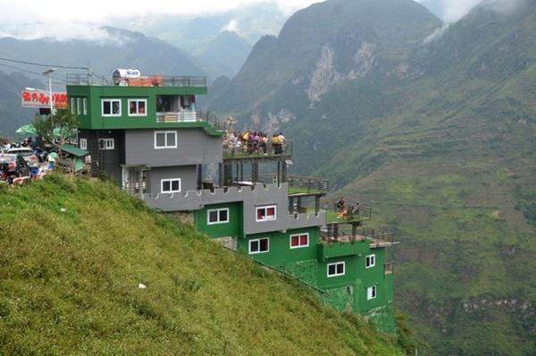 Ảnh: Tòa nhà trái phép Mã Pì Lèng Panorama bất ngờ được phủ xanh-5