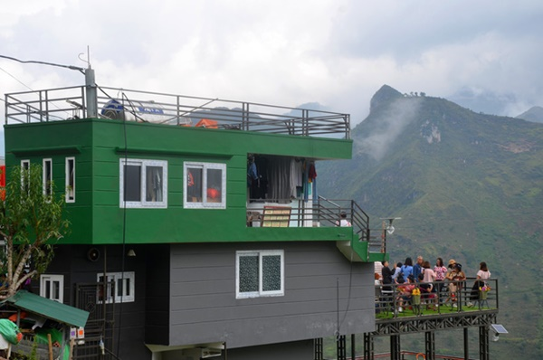 Ảnh: Tòa nhà trái phép Mã Pì Lèng Panorama bất ngờ được phủ xanh-9