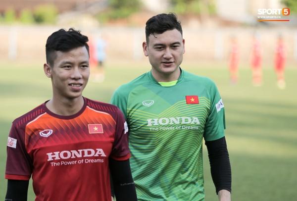 Sau Tuấn Anh, đội trưởng tuyển Việt Nam tiếp tục khiến HLV Park Hang Seo lo lắng-1