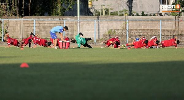 Sau Tuấn Anh, đội trưởng tuyển Việt Nam tiếp tục khiến HLV Park Hang Seo lo lắng-7
