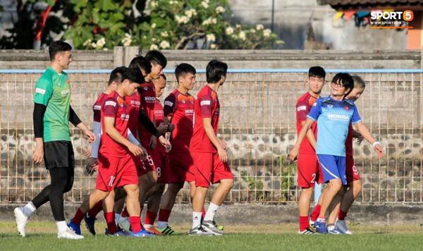Sau Tuấn Anh, đội trưởng tuyển Việt Nam tiếp tục khiến HLV Park Hang Seo lo lắng-8