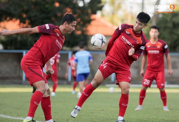 Sau Tuấn Anh, đội trưởng tuyển Việt Nam tiếp tục khiến HLV Park Hang Seo lo lắng-13