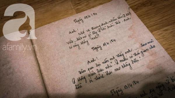 """Tình như đôi vợ chồng bác sĩ - giáo viên 60 tuổi: Con gái khoe"""" nhật ký mùi mẫn bố mẹ yêu nhau từ thuở 16, xa nhau 11 năm vẫn đằng đẵng đợi chờ-2"""