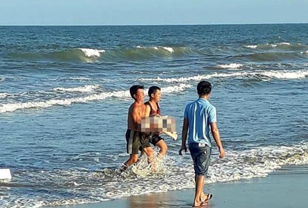 Cô gái 21 tuổi thiệt mạng khi tắm biển ở Quảng Trị-1
