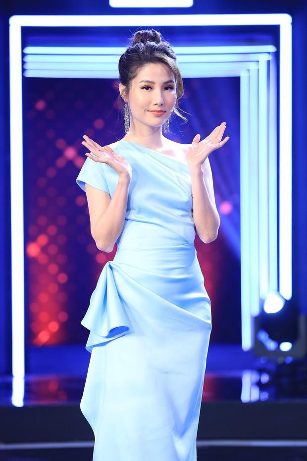 Khi cả 5 người đẹp Vbiz đụng hàng: Midu chiếm thế thượng phong với chiếc túi LV 30 triệu, Hari Won chọn sai ngay từ đôi cao gót nặng nề-4