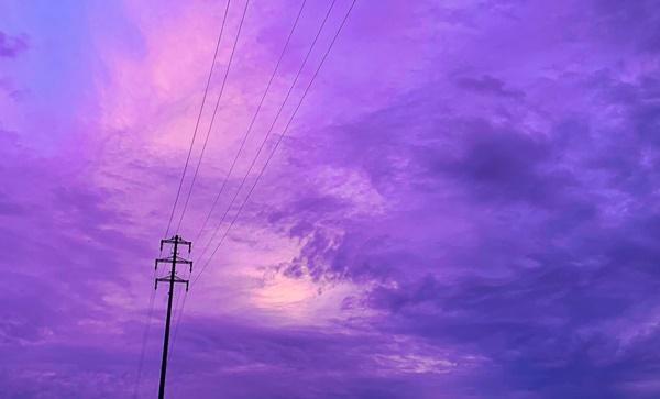 Trái ngược với bầu trời tím dự báo điềm dữ trước khi Hagibis đổ bộ, dân Nhật hứng khởi với cảnh quang đãng, trăng sáng rực lúc siêu bão đi qua-3