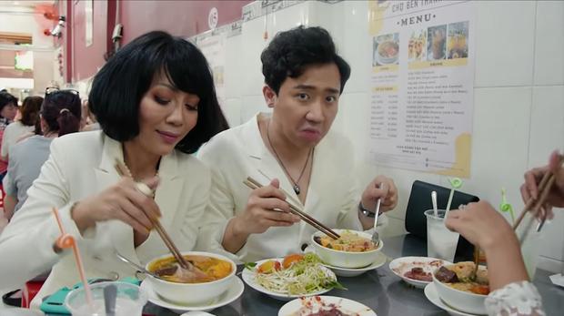 Là MC có thu nhập khủng nhất nhì Việt Nam nhưng Trấn Thành ăn uống lại cực giản dị, toàn rủ bạn bè đi ăn đồ vỉa hè bình dân-2