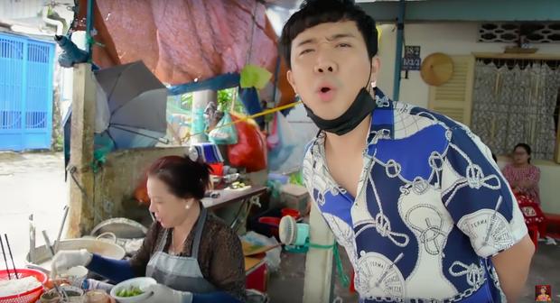 Là MC có thu nhập khủng nhất nhì Việt Nam nhưng Trấn Thành ăn uống lại cực giản dị, toàn rủ bạn bè đi ăn đồ vỉa hè bình dân-6