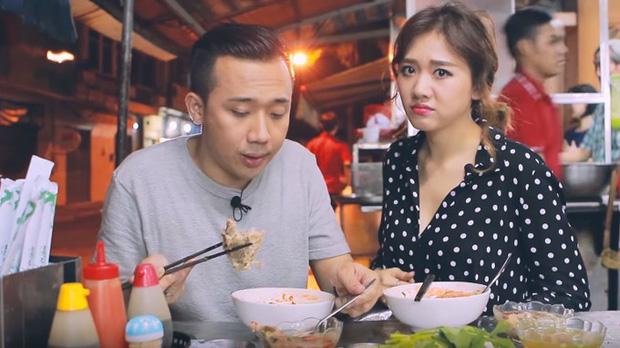 Là MC có thu nhập khủng nhất nhì Việt Nam nhưng Trấn Thành ăn uống lại cực giản dị, toàn rủ bạn bè đi ăn đồ vỉa hè bình dân-11