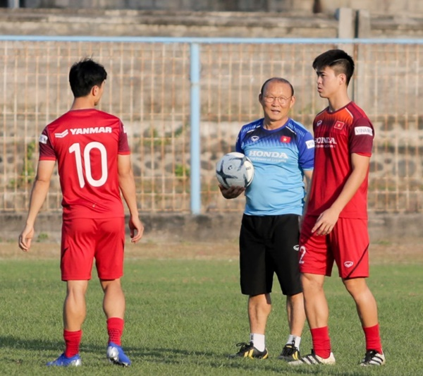 Tuyển Việt Nam đấu Indonesia: Thầy Park, phải khác đi mới được!-2