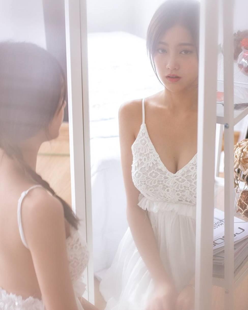 Rơi mác ngoan khi không mặc đồng phục nữ sinh, hot girl Thái Lan gợi cảm tột bậc-15