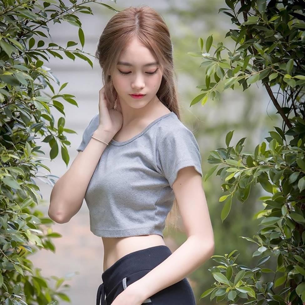 Rơi mác ngoan khi không mặc đồng phục nữ sinh, hot girl Thái Lan gợi cảm tột bậc-16