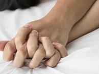 Vừa quan hệ lần đầu, chàng trai phải ôm 'của quý' đến bác sĩ