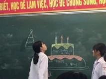 Bật cười trước cách mừng sinh nhật của học sinh: Kinh tế eo hẹp nên chỉ cần lớp có tâm vẽ là vẽ được bữa tiệc hoành tráng