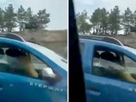 Tìm cảm giác lạ, cặp đôi mạo hiểm 'mây mưa' khi đang lái xe khiến người đi đường hoảng hốt
