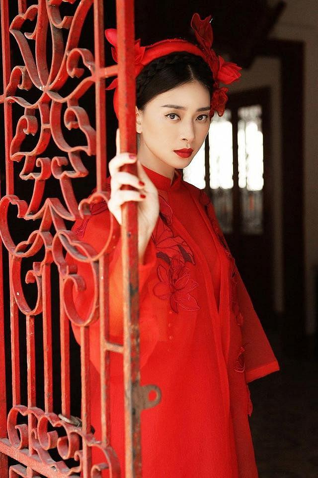 Vừa bức xúc sao ngoại mặc áo dài phản cảm, Ngô Thanh Vân và Tăng Thanh Hà bị chỉ trích vì từng có ảnh kém duyên tương tự-6