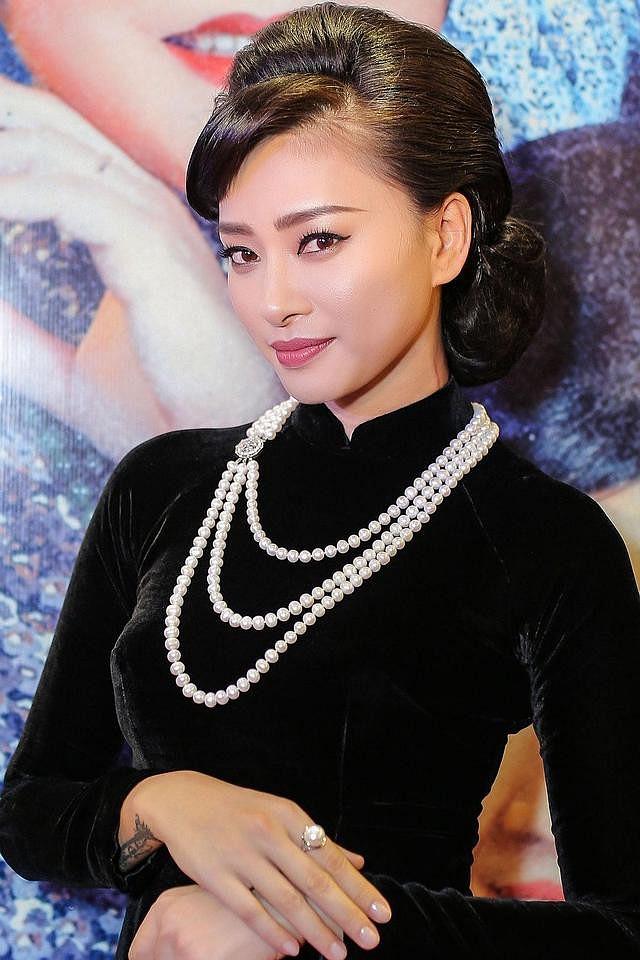 Vừa bức xúc sao ngoại mặc áo dài phản cảm, Ngô Thanh Vân và Tăng Thanh Hà bị chỉ trích vì từng có ảnh kém duyên tương tự-5