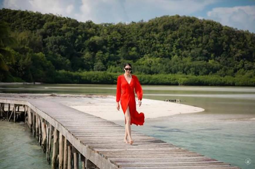 Hoa hậu Hà Kiều Anh khoe vóc dáng tuổi 43 đẹp mướt mắt ở đảo nhiệt đới Palau-4