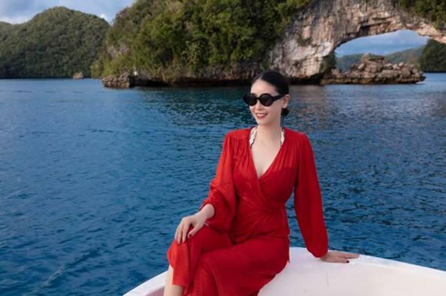 Hoa hậu Hà Kiều Anh khoe vóc dáng tuổi 43 đẹp mướt mắt ở đảo nhiệt đới Palau-5