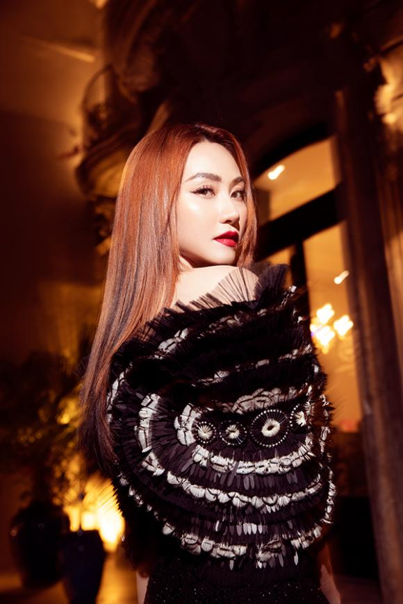 Ngân Khánh tái xuất quyến rũ mừng sinh nhật tuổi 34-2